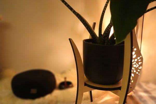 houten interieur objecten voor meditatieruimte, plantenstandaard, hout, sokkel, staander, bloempot, interieur objecten, design, Peter Coucke