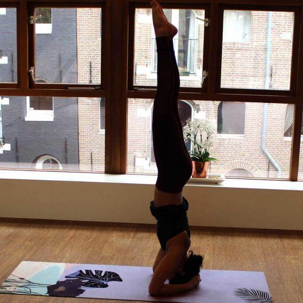 felicidade eco premium yoga mat pacific met planten en bloemen motief