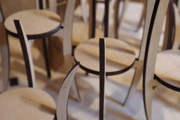 staander voor vaasje, kleine plantjes of interieur object, design Peter Coucke